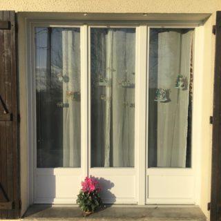 Ensemble composé 3 vantaux porte fenêtre PVC PIERRET